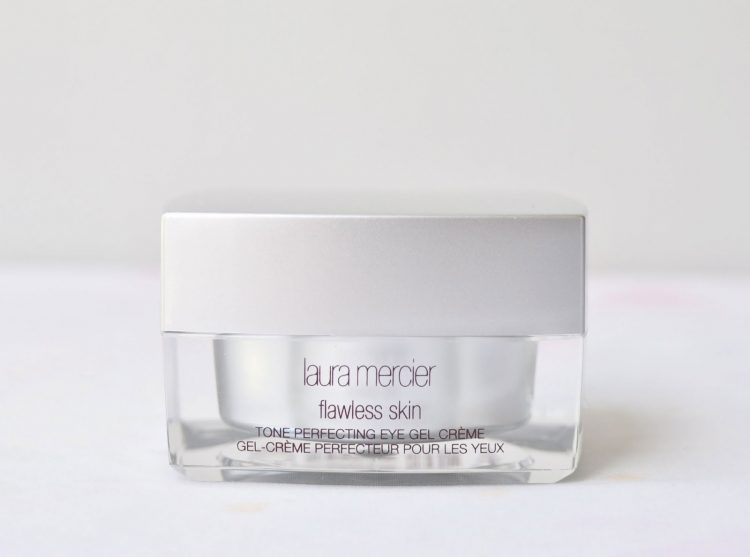 Beautiful and perfectly smooth face? Only with Tone Perfecting from Laura Mercier.